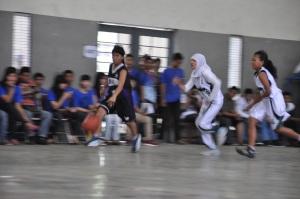 Basket Putri SMAN 9 Sby dan SMKN 1 Sby