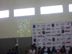 Saat Pertandingan Basket Putra SMAN 16 dan SMAN 5 Sby