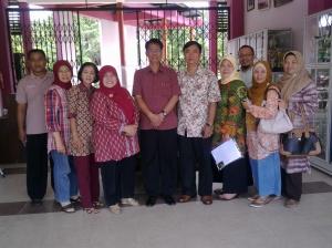Bapak Kepala Sekolah dan Wakasek bersama alumni angkatan 1988
