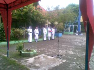 Pasukan Bendera SMAN 16 Surabaya