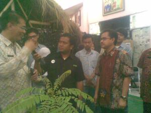 TV SBO bersama kepala Diknas Surabaya Bapak Ikhsan dan Bapak Sudarminto.