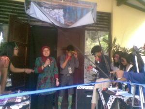 Sambutan Wali Kelas Bu Siti Syamsiah, saat pembukaan