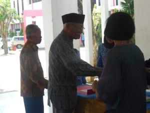 Mantan Kepala Sekolah Pak Utomo dan Mantan Guru PKN pak Kohar menghadiri Halal Bihalal