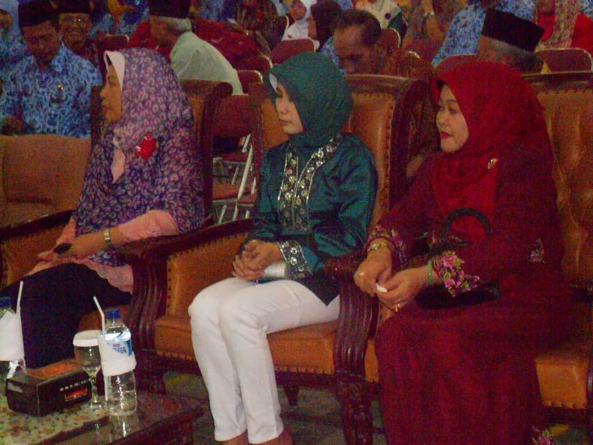 Halal Bihalal SMAN 16 Surabaya Tahun 2013